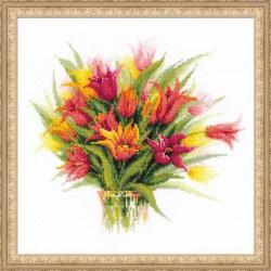 1293 Тюльпаны в вазе